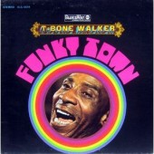 "T-BoNe WaLKeR - ""WoMaN, You MuST Be CRaZy"" et ""GoiN' To CHiCaGo BLueS"""