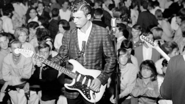 Dick Dale - Surfin and a swingin
