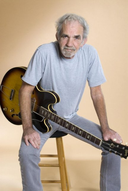 "J.J.CaLe (""aNyWay THe WiND BLoWS"")"