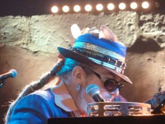DR. JoHN I WaLK oN GuiLDeD SPLiNTeRS