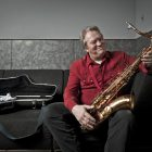 BoBBy KeyS - CaN'T you HeaR Me KNoCKiNG
